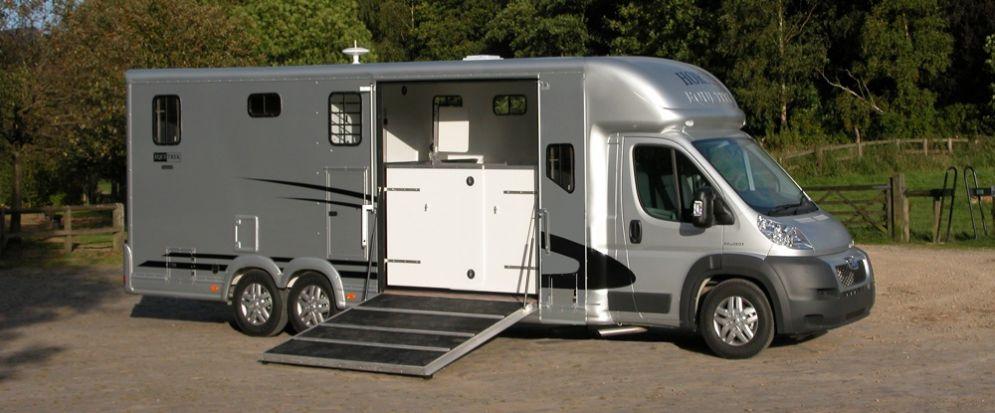 Equi-Trek Valiant Five Horsebox