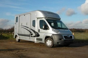 Equi-Trek Super Sonic Five Horsebox